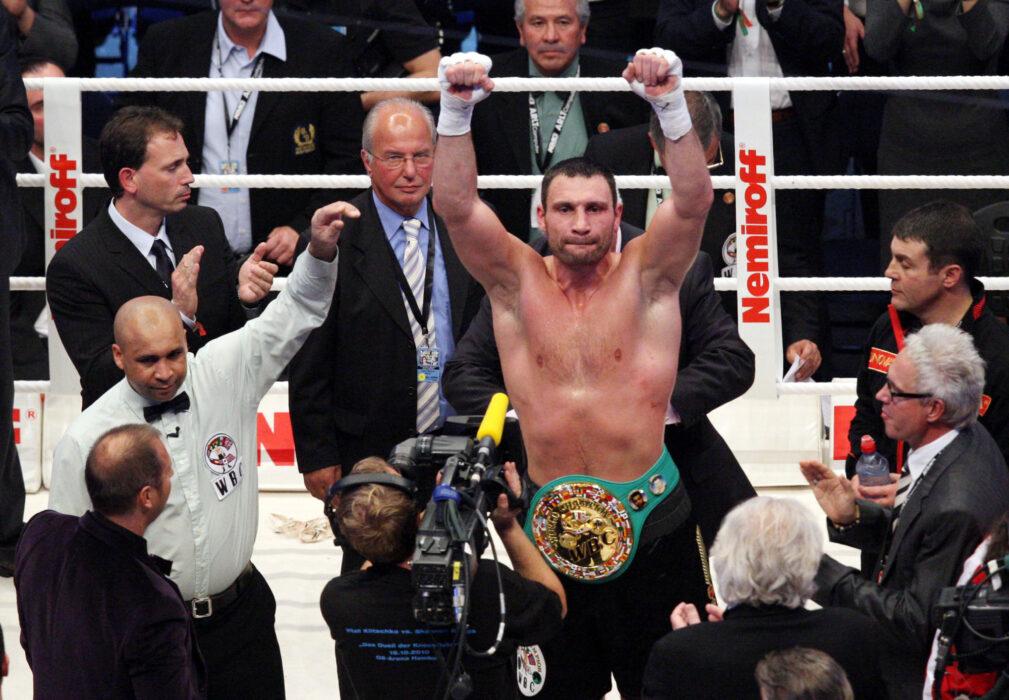 <h5>BOXEN: WBC-Weltmeisterschaft, Schwergewicht, Vitali Klitschko (UKR) - Shannon Briggs (USA), Hamburg, 16.10.2010Jubel von Sieger Vitali KLITSCHKO (UKR)© Torsten Helmke</h5>