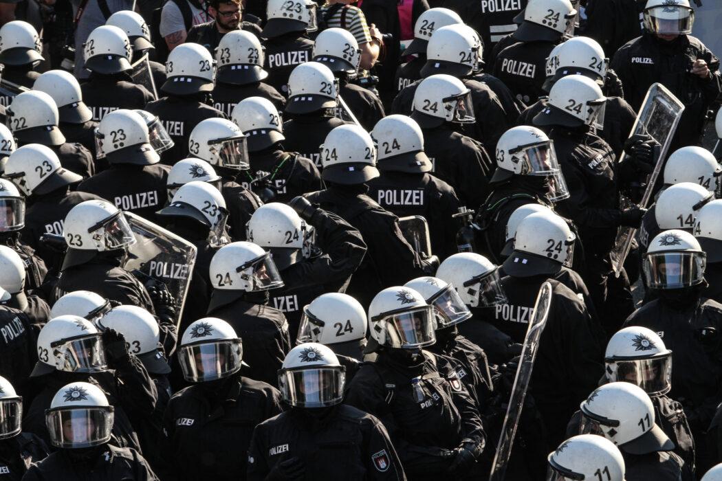 """<h5>G20-Gipfel: Demo, """"Welcome to Hell"""", Hamburg, 06.07.2017  © Torsten Helmke</h5>"""