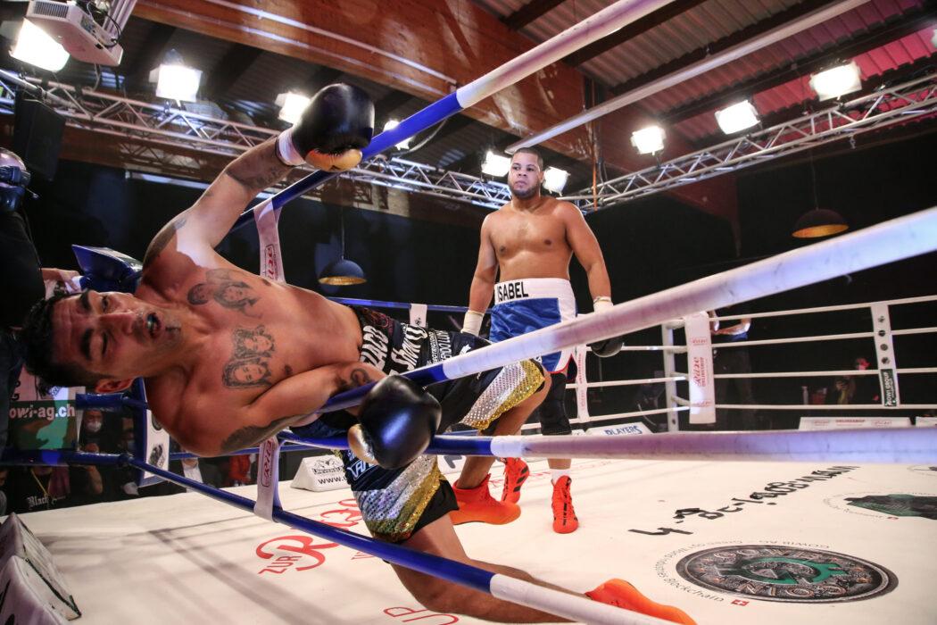 <h5>BOXEN: Universum Boxpromotion, Hamburg, 19.12.2020 Schwergewicht: Jose Angel Larduet (CUB) - Marcos Antonio Aumada (ARG) © Torsten Helmke</h5>