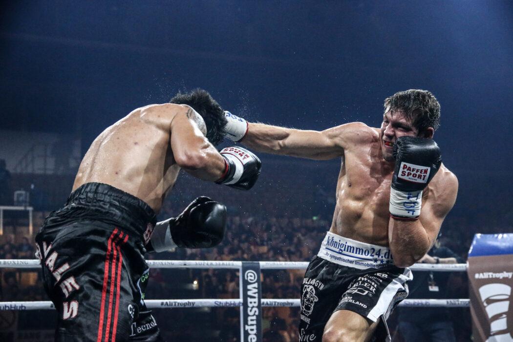 <h5>Boxen: World Boxing Super Series, Middleweight, Schwerin, 27.10.2017 Vincent Feigenbutz (Germany, black/white) - Gaston Alejandro Vega (Argentina, black/red) © Torsten Helmke</h5>